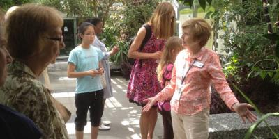 Tour Guide Docent