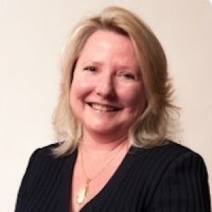 Suzanne Mead